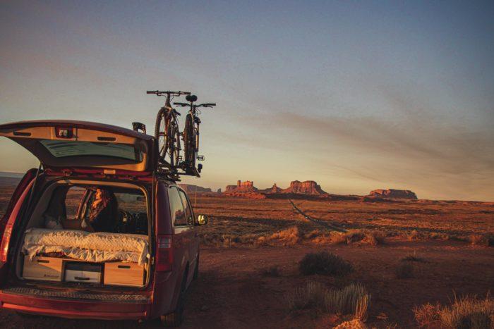 Lever de soleil à Monument Valley